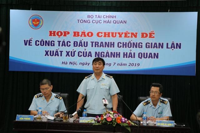 Trung Quốc làm giả từ bút bi, băng keo Made in Viet Nam tuồn vào Việt Nam - 1