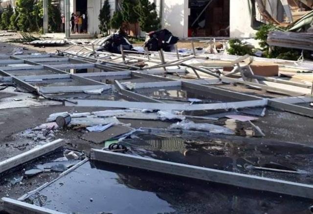 Thanh Hoá: Nhà xưởng đổ sập vì giông lốc, hơn 1.600 công nhân nghỉ làm - 1