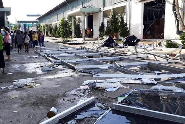 Thanh Hoá: Nhà xưởng đổ sập vì giông lốc, hơn 1.600 công nhân nghỉ làm - 2