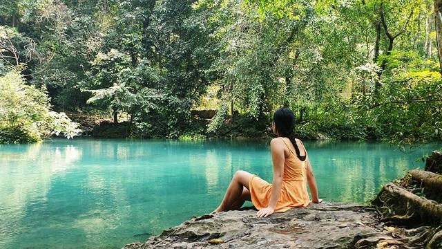 """""""Phát sốt"""" với con suối có màu xanh ngọc bích, đẹp như tiên cảnh ở Cao Bằng - 8"""