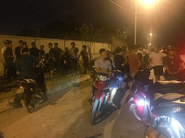 Đà Nẵng: Rừng cháy dữ dội, hàng trăm người dập lửa trong đêm - 2