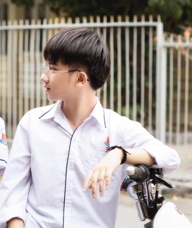 """Nam sinh xứ Thanh sở hữu vẻ ngoài điển trai gây """"bão mạng - 6"""