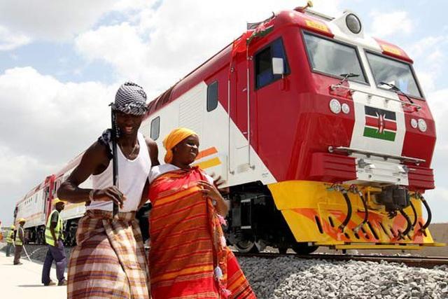 """Quốc gia châu Phi """"dở khóc dở cười"""" vì dự án đường sắt của Trung Quốc - 2"""