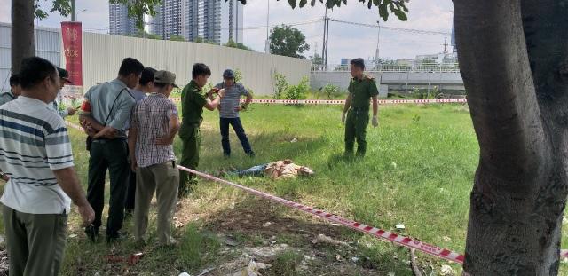 Người đàn ông tử vong bên cạnh chiếc xe SH - 2