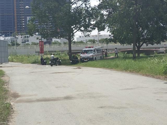 Người đàn ông tử vong bên cạnh chiếc xe SH - 1