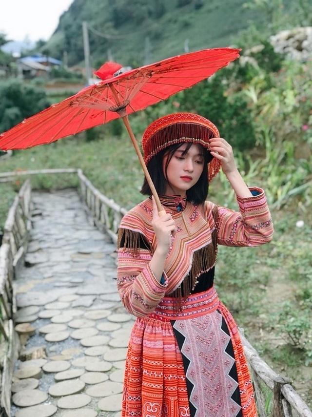 Xao xuyến nét đẹp trong sáng của cô gái dân tộc Giáy - 9