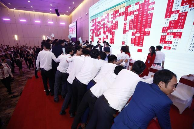 Hơn 2.000 khách hàng tranh mua sản phẩm của dự án Cát Tường Phú Hưng - 3