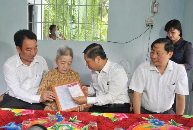 Bộ LĐ-TBXH trao nhà tình nghĩa đến gia đình chính sách ở Vĩnh Long - 4