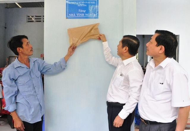 Bộ LĐ-TBXH trao nhà tình nghĩa đến gia đình chính sách ở Vĩnh Long - 5