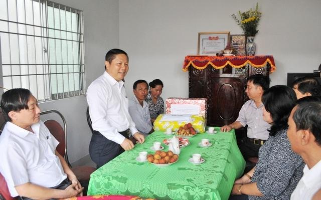 Bộ LĐ-TBXH trao nhà tình nghĩa đến gia đình chính sách ở Vĩnh Long - 1