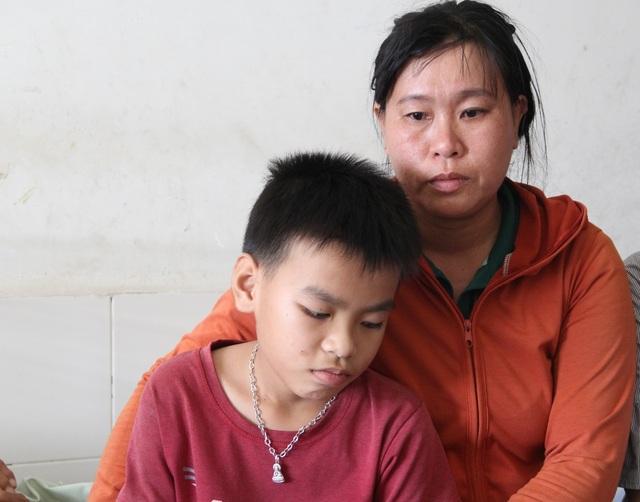 """Bố mẹ đều lâm trọng bệnh, """"đứt ruột"""" khuyên con gái gác lại giảng đường đại học - 10"""
