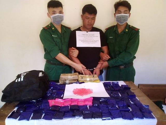 Tóm gọn đối tượng người Lào vận chuyển hơn 24 ngàn viên ma túy về Việt Nam - 1