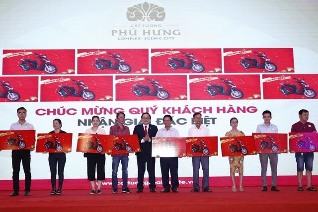 Hơn 2.000 khách hàng tranh mua sản phẩm của dự án Cát Tường Phú Hưng - 2