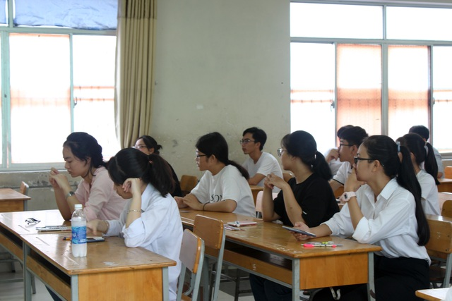 Nhiều trường đại học có điểm chuẩn trúng tuyển ở mức 13-14 - 1