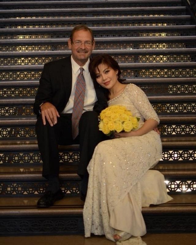 Hôn nhân ngọt ngào của Ngọc Anh 3A với chồng Tây qua lời Bằng Kiều, Quang Dũng - 1