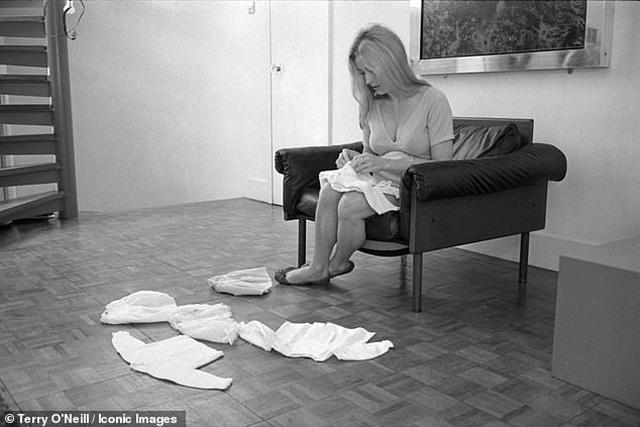 Nữ diễn viên xấu số Sharon Tate trong những khuôn hình cuối cùng trước bi kịch định mệnh - Ảnh minh hoạ 6