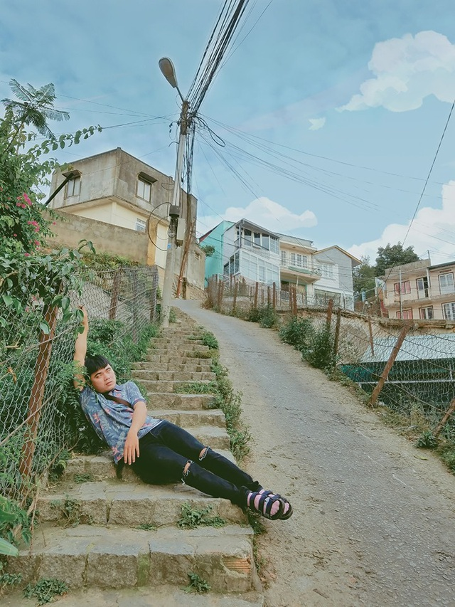 """Bộ ảnh """"ngủ gật"""" của 9x Bình Thuận gây """"bão mạng"""" vì tư thế tạo dáng khó đỡ - 2"""