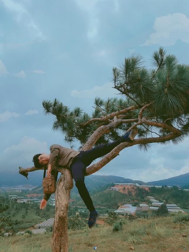 """Bộ ảnh """"ngủ gật"""" của 9x Bình Thuận gây """"bão mạng"""" vì tư thế tạo dáng khó đỡ - 6"""