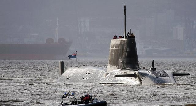 """Anh điều tàu ngầm hạt nhân, thủy quân lục chiến """"nắn gân"""" Iran - 1"""
