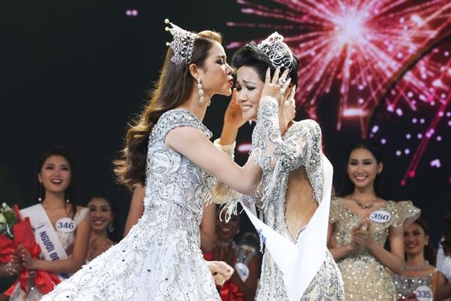H'Hen Niê tiết lộ sợ hãi khi làm Hoa hậu - 2