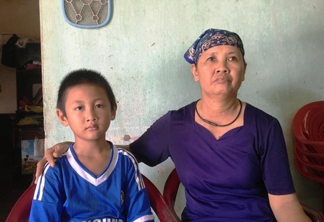 Xót thương người phụ nữ bất lực nhìn chồng suy tim nặng, con trai chấn thương sọ não - 3