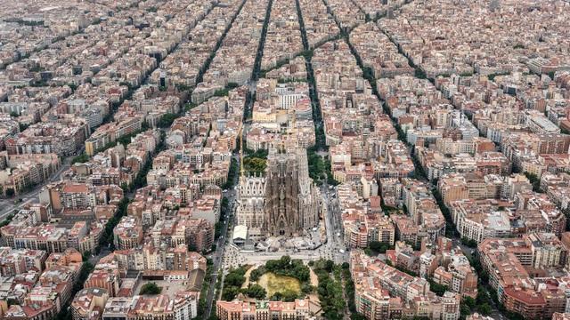 Nhà thờ suốt hơn 100 năm vẫn chưa xây xong - 5