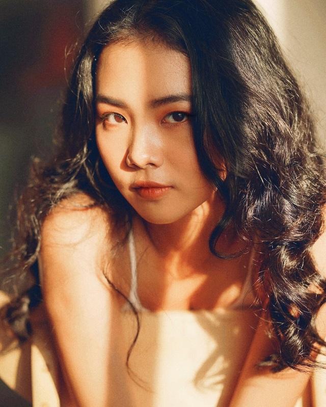 Nữ sinh ĐH Văn Hiến có gương mặt và thần thái như diễn viên điện ảnh - 2