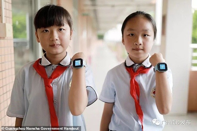 Trung Quốc: Thành phố phát 17.000 đồng hồ thông minh cho học sinh - 1