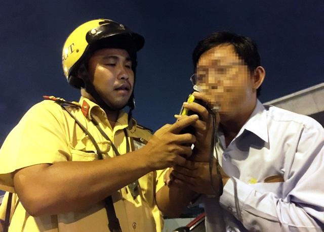 Thủ tướng Nguyễn Xuân Phúc: Cần xử lý hình sự người lái xe với nồng độ cồn trên 80mg/100ml máu - 2