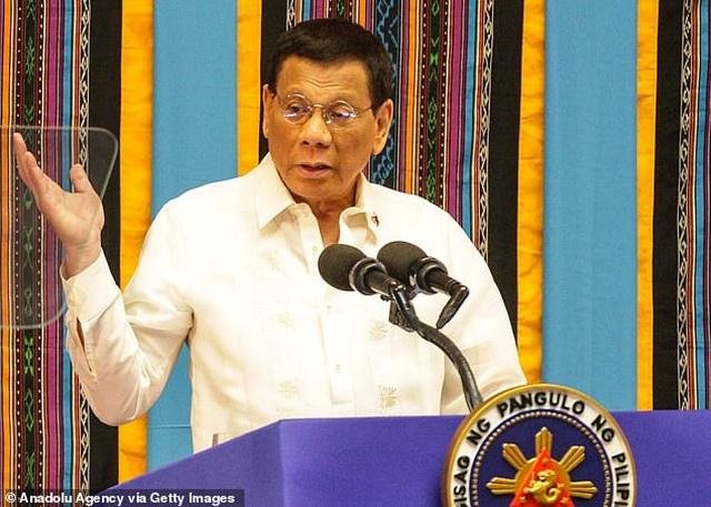 Ông Duterte nói cho tàu Trung Quốc đánh bắt ở biển Philippines để ngăn chiến tranh - 1