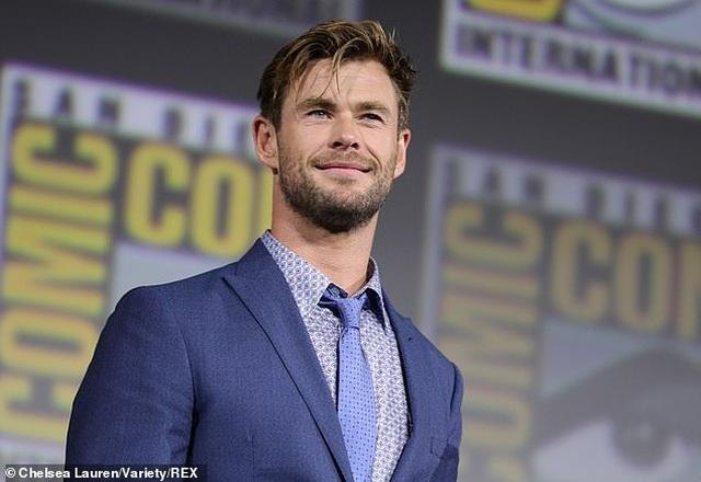 Chris Hemsworth đẹp đôi bên vợ hơn 7 tuổi - 4