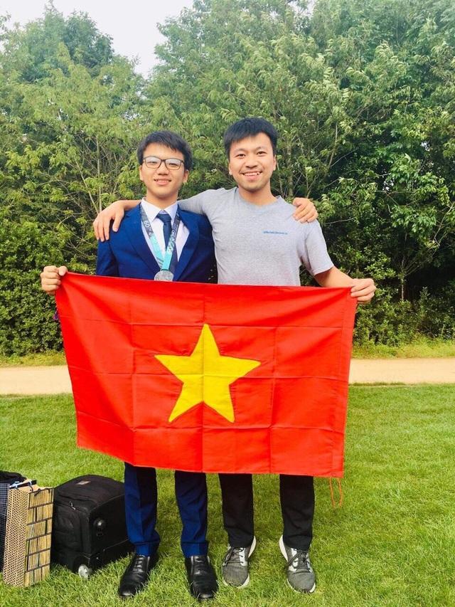 Điều thú vị về chàng trai họ Vương, Huy chương Bạc Olympic Toán quốc tế - 3