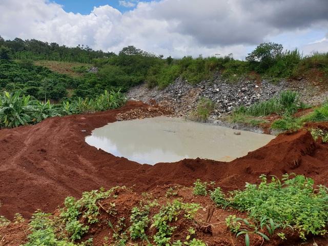 Hồ chứa nước thải bị vỡ, lãnh đạo doanh nghiệp đổ do… mưa lớn! - 1