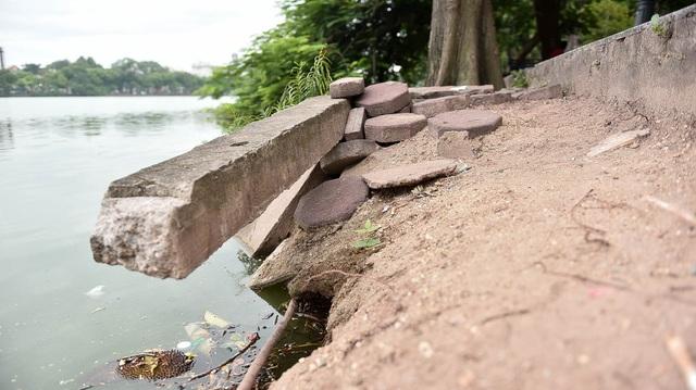 Bờ hồ Gươm nham nhở vì sạt lở kè - 3