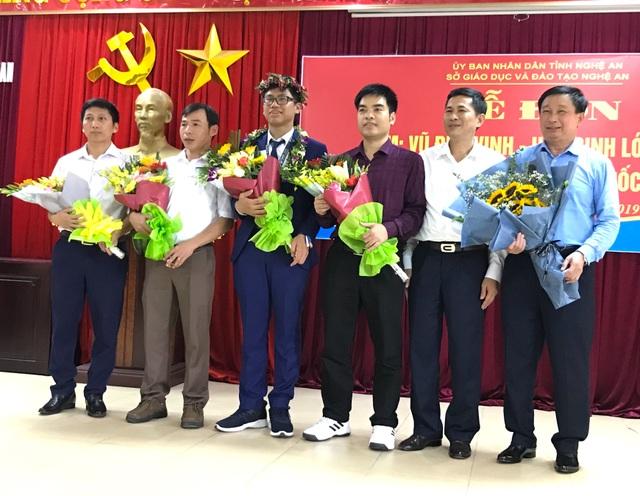 Nghệ An chào đón nam sinh giành huy chương Bạc Olympic Toán Quốc tế - 1