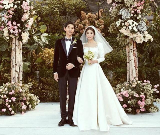 Hậu ly hôn, Song Hye Kyo mạnh tay gỡ bỏ hình ảnh liên quan tới chồng cũ - 1