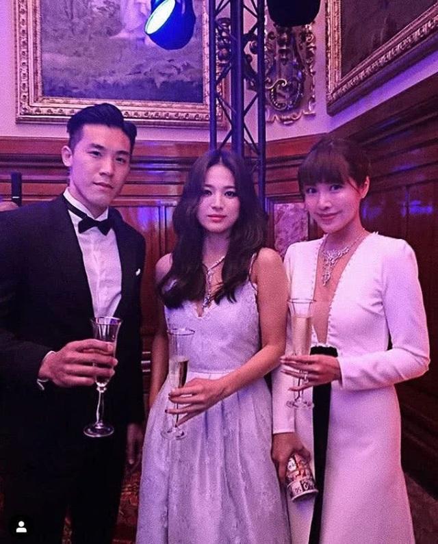 Hậu ly hôn, Song Hye Kyo mạnh tay gỡ bỏ hình ảnh liên quan tới chồng cũ - 4