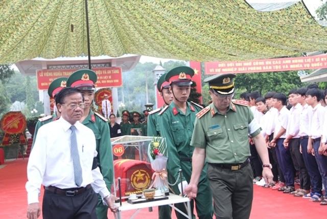 Tây Ninh: Truy điệu, an táng 245 hài cốt liệt sĩ - 3