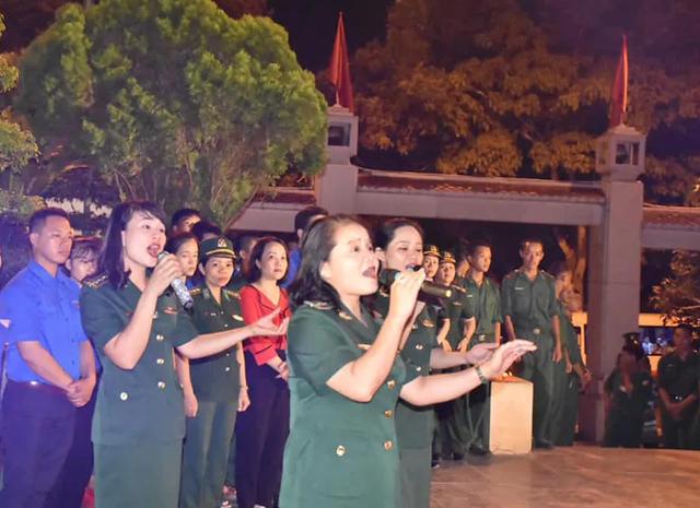 Hà Tĩnh: Nhiều hoạt động tri ân các anh hùng liệt sỹ - 3