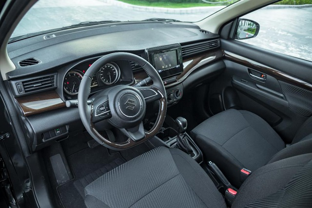 Đánh giá Suzuki Ertiga 2019 - Xe 7 chỗ đa dụng cho gia đình Việt - 11