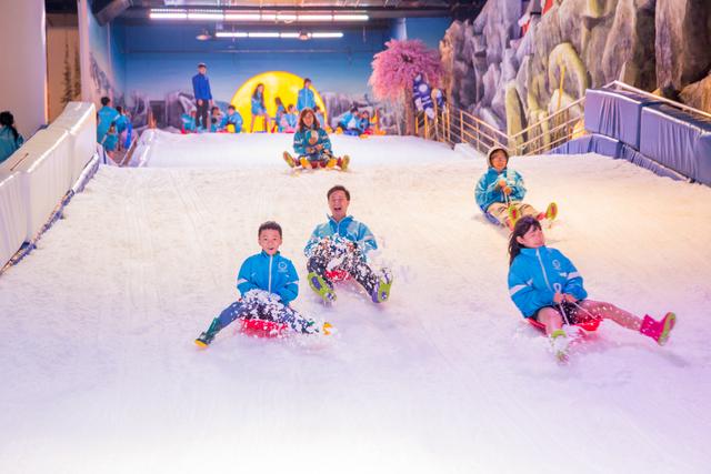 Nghỉ hè đi trượt tuyết ở Sài Gòn - 2