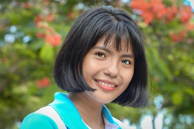 Nữ sinh có đôi mắt hai màu chọn học Cao đẳng dù đủ điểm vào ĐH - 2