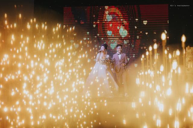 """Đám cưới ngập trong vàng, tiền của đạo diễn chuyển giới và Á quân """"Solo cùng Bolero"""" - 10"""