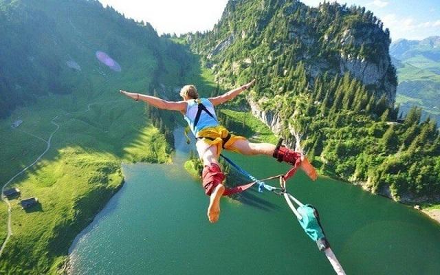Nhảy bungee bất ngờ bị tuột dây, du khách rơi tự do 100m xuống đất - 3