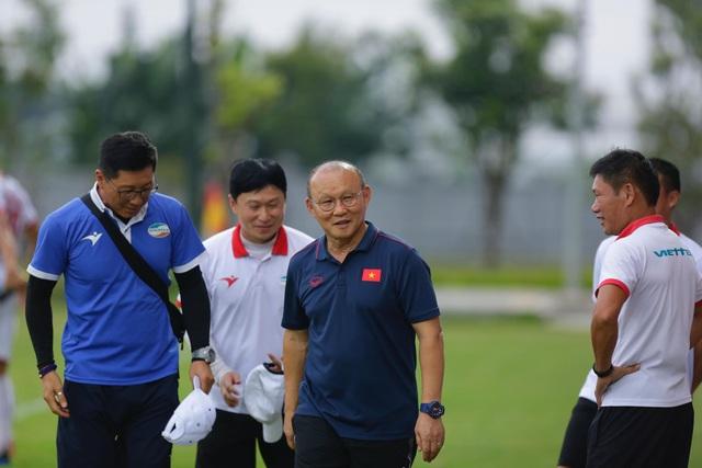 V-League đổi lịch, thầy Park có 10 ngày chuẩn bị trước trận đấu với Thái Lan