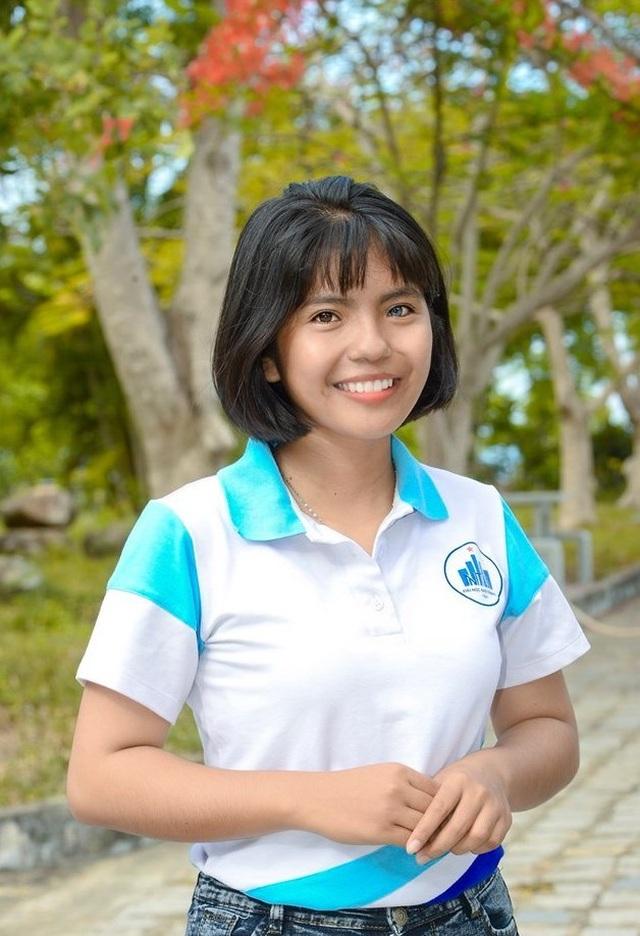 Nữ sinh có đôi mắt hai màu chọn học Cao đẳng dù đủ điểm vào ĐH - 3