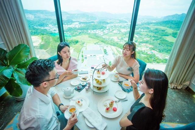 Thú vui sang chảnh mới ở Hạ long: Thưởng trà từ độ cao 100m - 3
