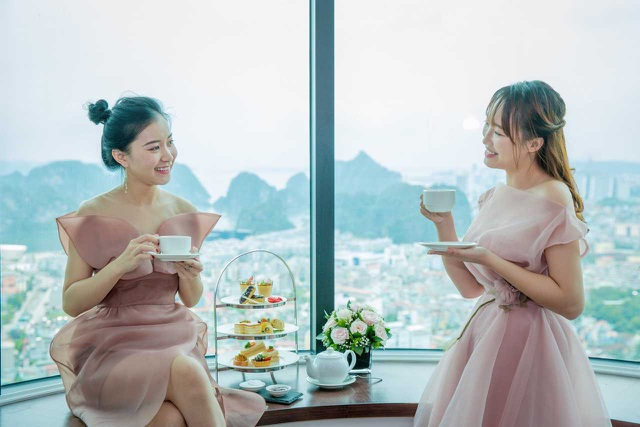 Thú vui sang chảnh mới ở Hạ long: Thưởng trà từ độ cao 100m - 4