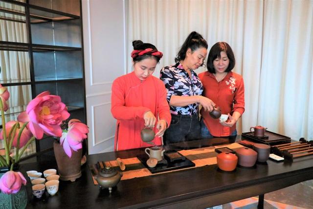 Thú vui sang chảnh mới ở Hạ long: Thưởng trà từ độ cao 100m - 6