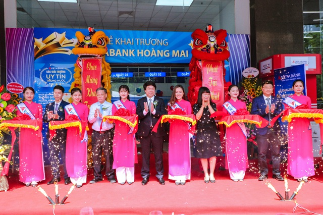 VietABank nhận 2 giải thưởng quốc tế, tiếp tục mở rộng mạng lưới tại Hà Nội - 2